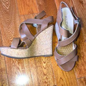Platform brown sandals size 6